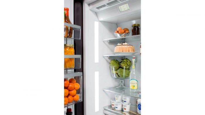 "Thermador T23IR900SP 23.5"" Built in Refrigerator interior"