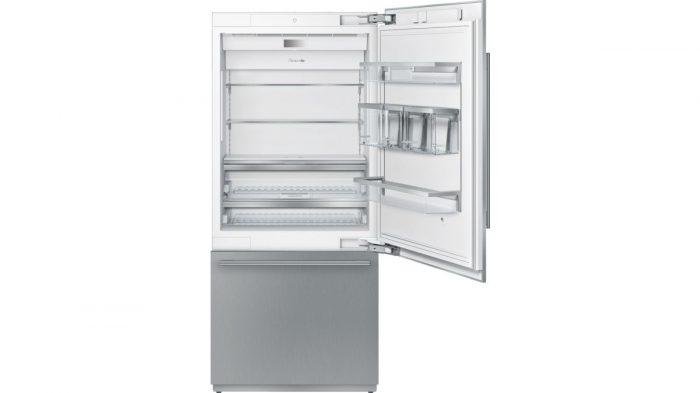 """Thermador T36IB900SP 36"""" Built in 2 Door Bottom Freezer Open"""