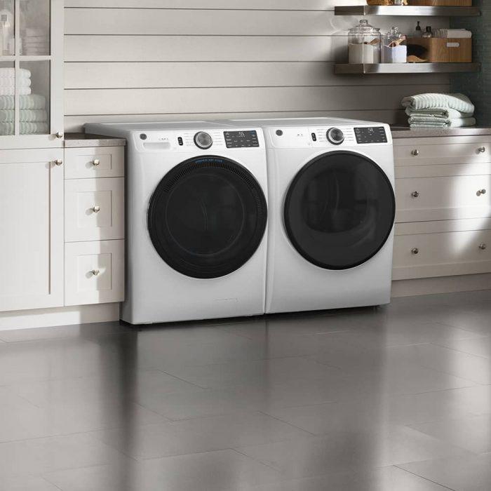 GE Appliances GFD55ESMNWW 7.8 Cu. Ft. Capacity Dryer WHITE LFESTYLE